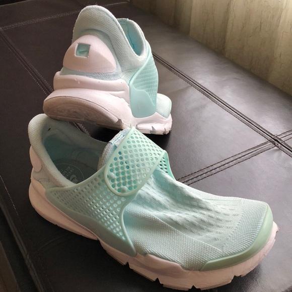 buy popular 5bd15 7cd77 NIKE Women s Sock Dart. M 5b8c1403d6716a3668209c4b